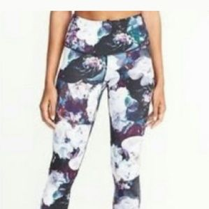 OLD NAVY Active Go Dry floral print capri leggings